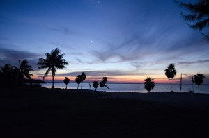 isla-blanca-beach-night